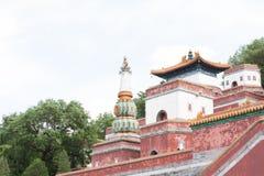 Fine del tempio del cinese tradizionale su Fotografie Stock Libere da Diritti