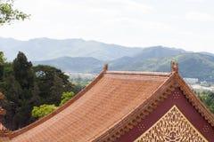 Fine del tempio del cinese tradizionale su Fotografie Stock