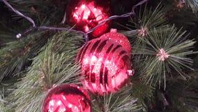 Fine dell'albero delle canzoni di Natale sulla decorazione creativa immagini stock libere da diritti
