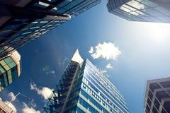 Fine dell'edificio per uffici su Fotografia Stock Libera da Diritti