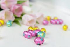 Fine dell'uovo di cioccolato di Pasqua su Fotografia Stock