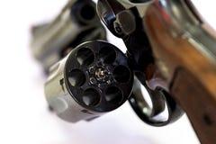 Fine della canna del cilindro caricata pistola del revolver di 38 calibri su w Fotografia Stock Libera da Diritti