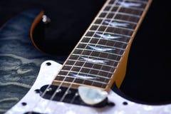 Fine della chitarra elettrica in su fotografia stock