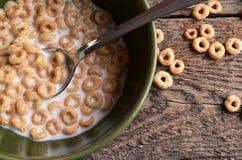 Fine della ciotola di cereale su fotografia stock