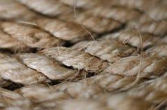 Fine della corda della iuta di Brown su Fotografia Stock Libera da Diritti