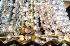 Fine della decorazione del candeliere delle perle del cristallo su Fotografia Stock Libera da Diritti