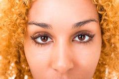 Fine della giovane donna degli occhi su Fotografie Stock Libere da Diritti