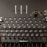 Fine della macchina di Enigma su immagine stock libera da diritti