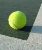 Fine della sfera di tennis in su Fotografia Stock Libera da Diritti