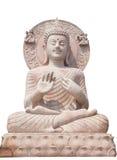 Fine della statua di Buddha su isolata contro fondo bianco. Fotografia Stock Libera da Diritti
