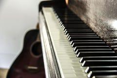 Fine della tastiera di pianoforte su immagini stock