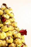 Fine della torta di cerimonia nuziale in su immagine stock libera da diritti