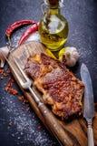 Fine di entrecôte della bistecca di Ribeye della carne su Fotografie Stock Libere da Diritti