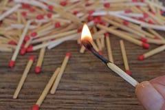 Fine di legno del bastone della partita su Fotografie Stock Libere da Diritti