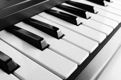 Fine elettronica della tastiera di piano in su fotografia stock