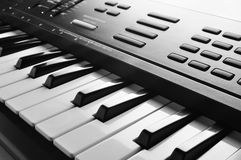 Fine elettronica della tastiera di piano in su fotografia stock libera da diritti