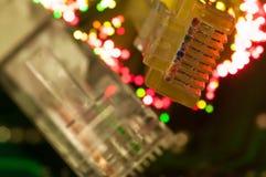 Fine gialla del commutatore di Internet sul macro colpo sul circuito del computer Fotografia Stock Libera da Diritti