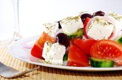 Fine mediterranea dell'insalata in su Immagini Stock