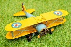 fine miniatura dell'aeroplano su Fotografia Stock