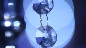 Fine moderna di cristallo del candeliere su archivi video