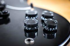 Fine nera della chitarra dello sg sulla vista immagini stock libere da diritti