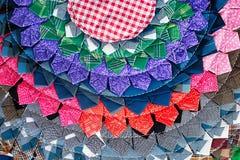 Fine peruviana tailandese variopinta della superficie della coperta di stile su Più di questo motivo & di più tessuti nel mio por Fotografia Stock