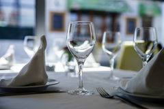 Fine restaurant dinner table setting Royalty Free Stock Photography