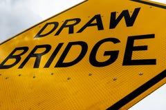 Fine sporca sporca del segno del ponte mobile dell'estratto su fotografia stock libera da diritti