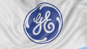 Fine su della bandiera d'ondeggiamento con il logo di General Electric, ciclo senza cuciture, fondo blu Animazione editoriale 4K  archivi video
