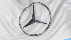 Fine su della bandiera d'ondeggiamento con il logo di Mercedes-Benz, ciclo senza cuciture, fondo blu Animazione editoriale 4K Pro video d archivio