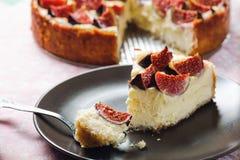 Fine su della fetta della torta di formaggio Immagine Stock Libera da Diritti