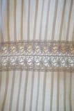 Fine su di struttura di tela femminile del fondo del vestito Immagine Stock