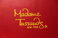 Fine su iew dell'insegna rossa del museo famoso di signora Tussauds fotografia stock libera da diritti