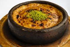 Fine sul halvah turco caldo al forno della pasta del sesamo fotografia stock