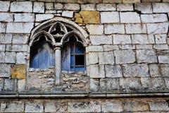 Finestra abbandonata e di pietre rotte Immagini Stock Libere da Diritti
