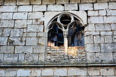 Finestra abbandonata e di pietre rotte Fotografia Stock