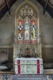 Finestra & altare di vetro macchiato Fotografia Stock Libera da Diritti