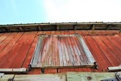 Finestra chiusa del granaio fotografie stock libere da diritti