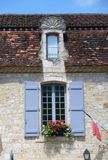 Finestra con i ciechi blu, Lot-et-Garonne di regione, FRANCIA Fotografia Stock Libera da Diritti