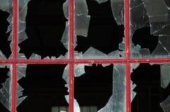 Finestra con i vetri rotti Fotografie Stock Libere da Diritti