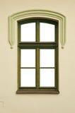 Finestra con una struttura verde di legno Fotografie Stock