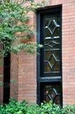 Finestra decorata di architettura del mattone Fotografia Stock Libera da Diritti