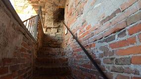 Finestra decorativa di un appartamento storico La vecchia citt? L'iper intervallo sale a alla cima del campanile video d archivio
