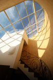 Finestra del lucernario del tetto immagini stock libere da diritti