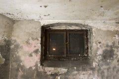 Finestra del seminterrato Fotografia Stock
