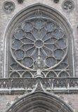 Finestra della chiesa di St Peter e di Saint Paul a Ostenda Immagini Stock