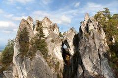 Finestra della montagna in montagne rocciose di Sulovske Skaly in Slovacchia Immagine Stock Libera da Diritti