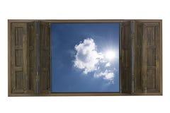 Finestra di legno con il fondo del cielo blu Immagini Stock Libere da Diritti