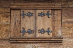 Finestra di legno della casa di Brown Fram fotografie stock libere da diritti
