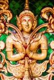 Finestra di legno di scultura dorata antica del tempio tailandese. Immagine Stock Libera da Diritti
